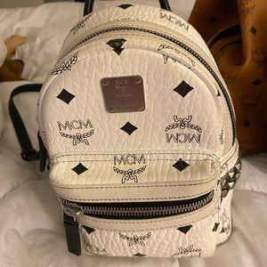 Mcm back pack/ cross bag